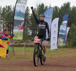 Legg opp. Lars Granberg i mål etter ein lang og krevjande konkurranse. Pressefoto