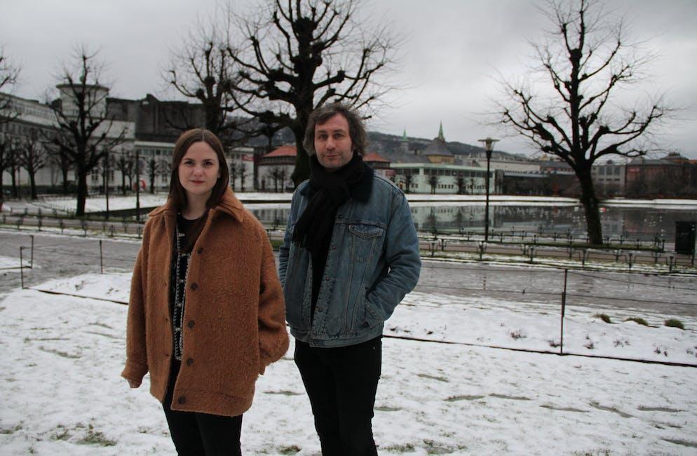 Linn Frøkedal og Richard Myklebust utgjer gruppa Misty Coast. I morgon, fredag, kjem andreplata deira Melodaze. Foto: Grethe Hopland Ravn