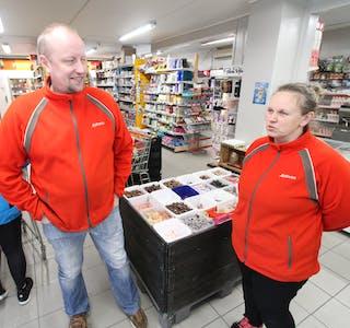 Jarle og Britt June Kvaløy fekk ein pangstart med sommaren i fjor. No fornyar dei butikken på fleire område.