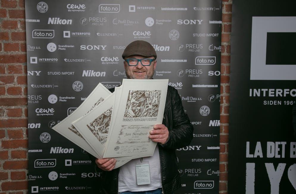 Jan Nordtveit fekk fire heiderlege omtalar i konkurranse med landets beste fagfotografar. Pressefoto