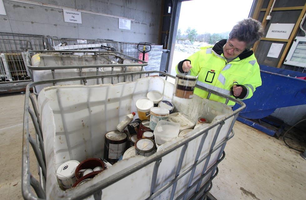 Frå årsskiftet innfører HIM kundekort for private der det blir dyrare å hive avfall over ei viss kvote, opplyser Veslemøy Eriksen. For spesialavfall er den tusen kilo.