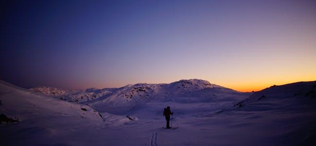 Flott januarlys. Veradalen mellom Lysenuten og Høylandsnuten.  Foto: Bjørn Tore Grønstad