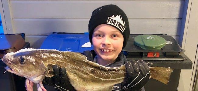 Ingen fiska betre enn Robin Aresjold Frøland på Vats-isen. Foto: Privat