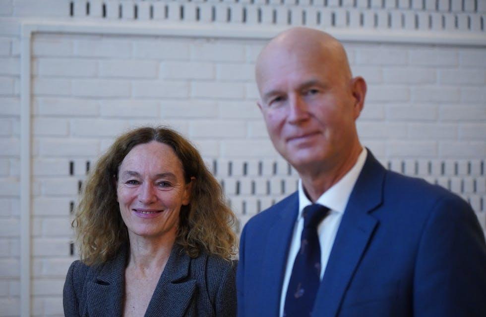 Helsedirektør Bjørn Guldvog og Camilla Stoltenberg i Folkehelseinstituttet. Foto: Terje Pedersen / NTB Foto: Ole Berg-Rusten / NTB / NPK