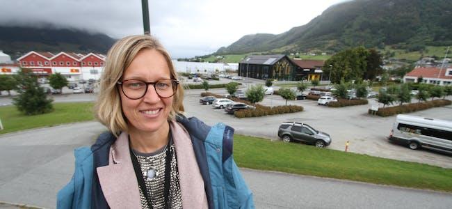 Kommunalsjef Anne Sofie Sandvik vil ha så mange som mogleg til å kome med synspunkt og innspel om framtidas Vindafjord. Kommuneplanen er det viktigaste verktøyet i å forme kommunen som eit godt lokalsamfunn, meiner ho.  Foto: Jon Edvardsen