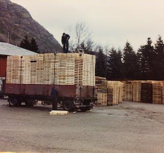 Nå er det over. På 80-talet var pallestablane mange og høge. Foto: Privat
