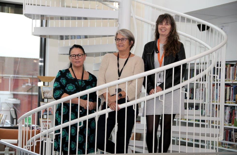 Klare for å arrangera ei heilt veke med eldredagen i Vindafjord. Frå venstre Ane Kesia Fatland, Berit Hetland, og Silje Holden Birkeland.  Foto: Grethe Hopland Ravn