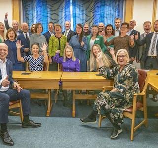 Den nye stortingsgruppa til Senterpartiet med 28 representantar var måndag samla i Stortinget. Foto: Ole Berg-Rusten / NTB / NPK