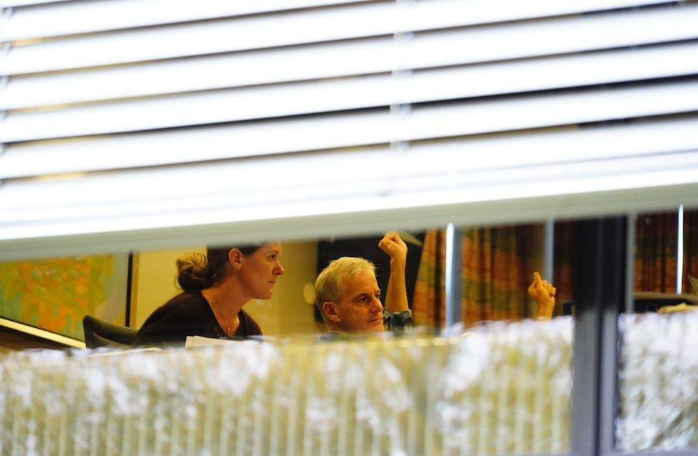 Ap-leiar Jonas Gahr Støre under regjeringsforhandlingane mellom Arbeidarpartiet og Senterpartiet på Hurdalsjøen Hotell fredag. Foto: Håkon Mosvold Larsen / NTB / NPK