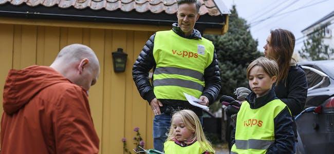 Even Graff Westerveld, June Graff Westerveld og barna Anna (4) og Carl (8) var bøsseberarar på Nordstrand i Oslo. Foto: Naina Helén Jåma / NTB / NPK